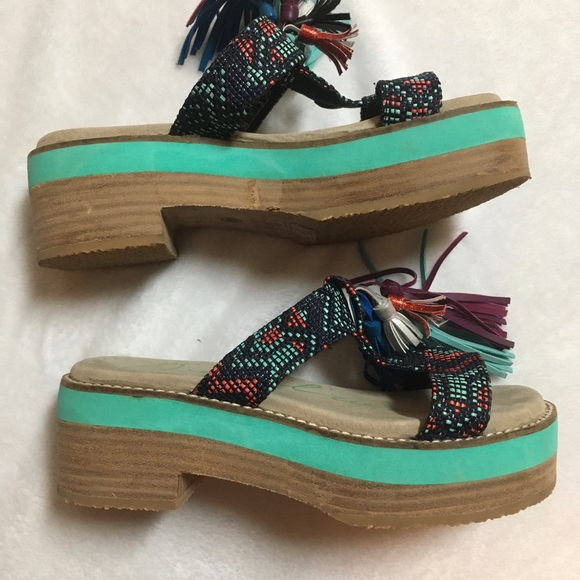 NWOT sandals platform by Coolway Size 6 boho style